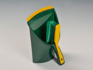 BÜMAG eG Krallen-Kehrgarnitur GRÜN - 2-teiliges Set aus Kunststoff-Schaufel und Krallen-Handfeger