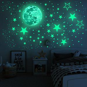 26 pcs Leuchtender Wandaufkleber im Dunkeln leuchten Mond und Sterne, Raumdekoration, Deckenkunstaufkleber für Sternenhimmel bei Nacht