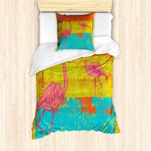 ABAKUHAUS Flamingo Mantele, Retro Vintage Flamingo, Milbensicher Allergiker geeignet mit Kissenbezügen, 135 cm x 200 cm - 80 x 80 cm, Mehrfarbig