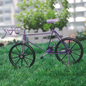 1 Rennrad-Modell aus Metall , Lila wie beschrieben