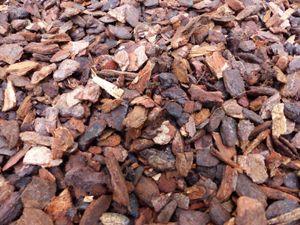 70 Liter Premium Pinienrinde Mulch Rindenmulch Dekorrinde Bodengrund 20-40 mm