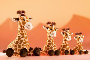 Schaffer Plüschtiere Giraffe Bahati 28 cm 5562