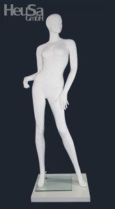 Schaufensterpuppe weiblich in weiß / Mannequin