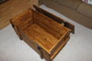 Holzkiste Truhe Couchtisch Vintage ShabbyChic Landhaus Massivholz alt Antikbraun